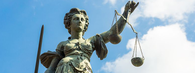 Internetbedrijven zijn geen rechters