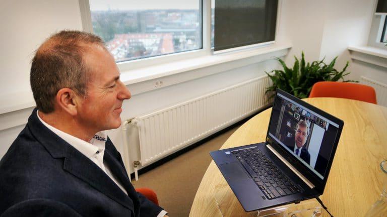 Koning spreekt online over impact coronapandemie op de digitale infrastructuur